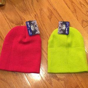 Accessories - Beanie hat bundle.